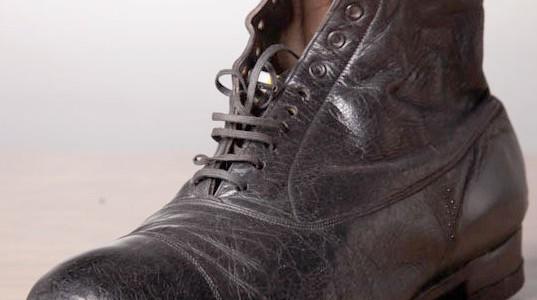 1920's women black boots