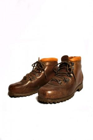 Women Patons Spitz walking boots