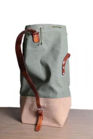 NOS 70's Swiss army duffel bag