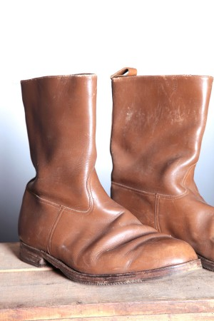 1960's light brown boots