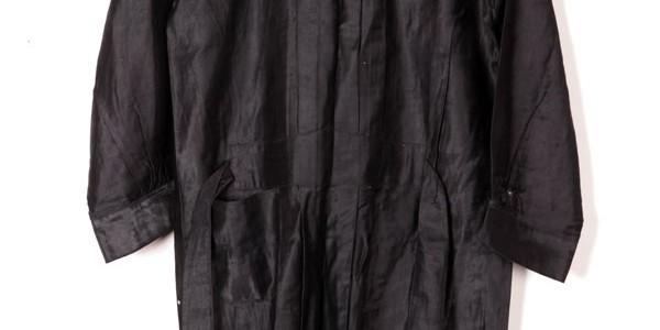 1930's women black pinafore