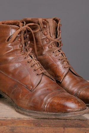 1900's men leather boots
