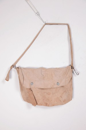1939 french linen cachou musette