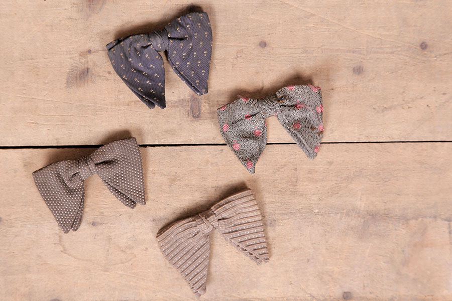 Batch of 4 early 1900's bow ties