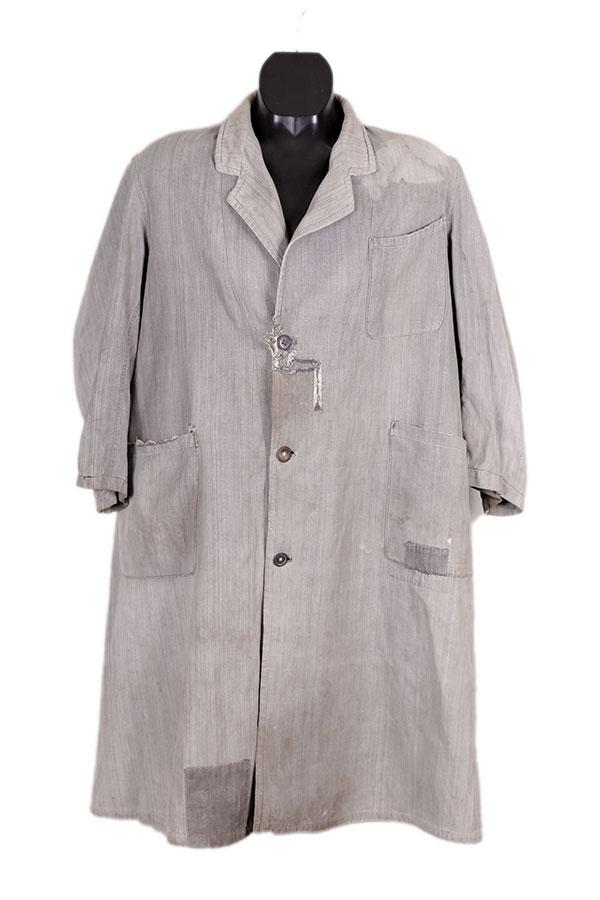 1930's lined atelier coat