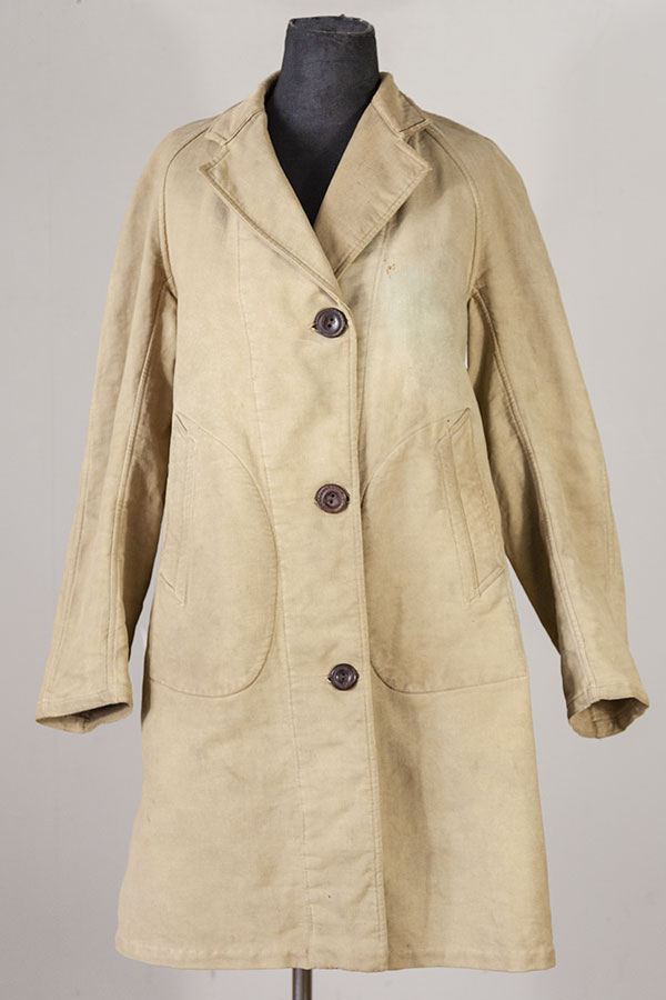 1940's french woman beige moleskin coat