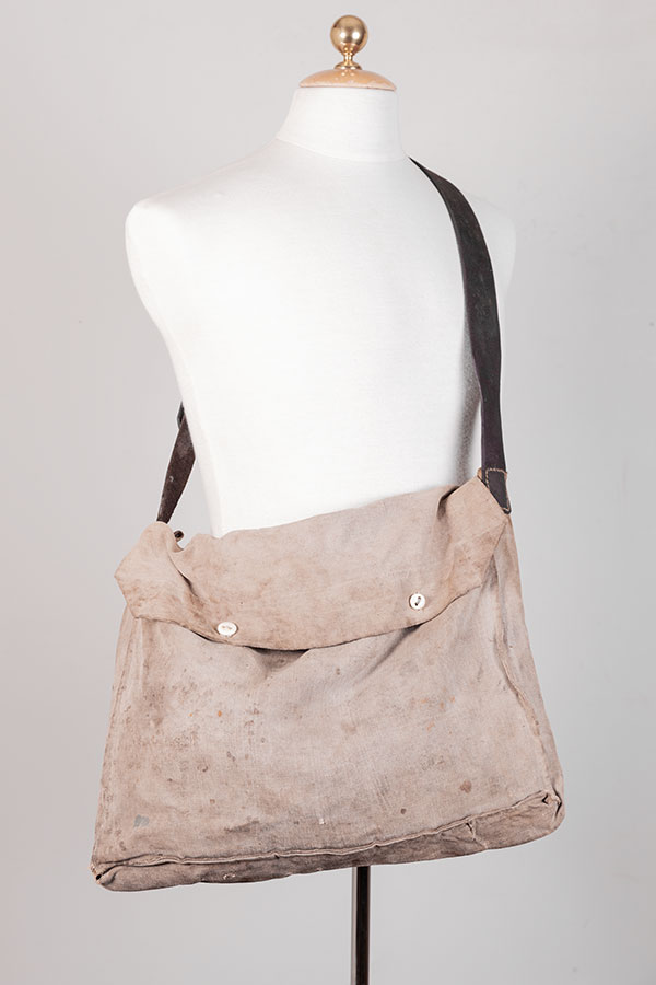 Circa 1920 french linen musette, lemagasin, le magasin, vintage bags