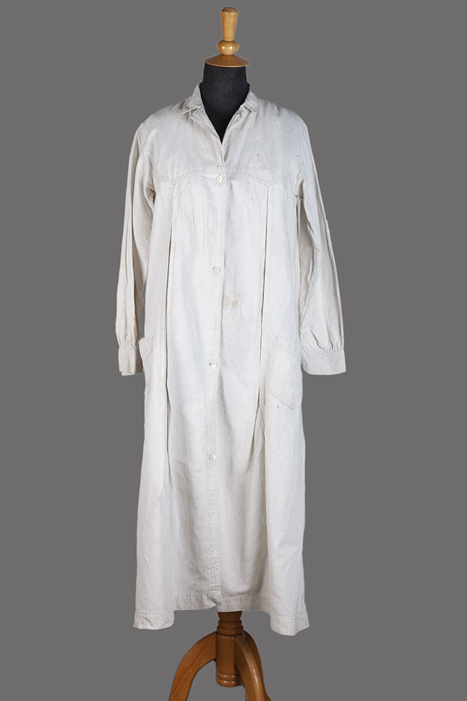 1930's woman linen work coat